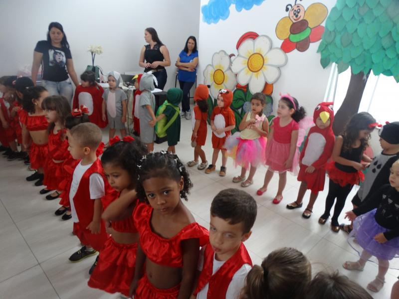 Encerramento do ano letivo com apresentações da Educação Infantil